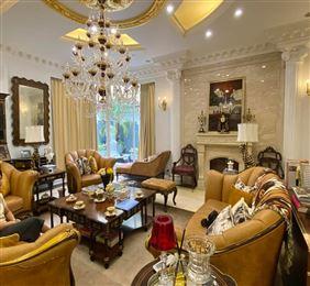 Chính Chủ Cần Bán gấp Nhà Kinh Doanh Nguyễn Xiển Dt 76m*4t giá 9 tỷ.