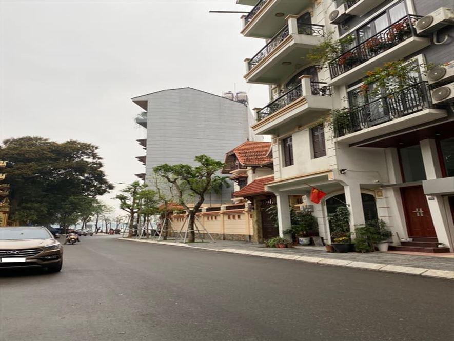 Nhà mặt phố 45A Võng Thị ngay gần Hồ Tây, 101m2 x 9T, mt 10.5m, 42 tỷ
