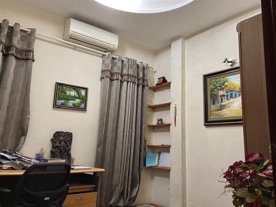 Nhà mặt đường Nguyễn Đình Thi, 101m2, mặt tiền 6.6m, nở hậu, giá 47 tỷ