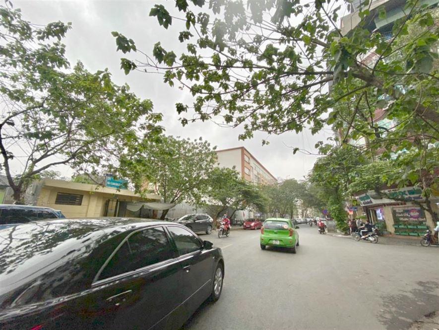 Bán nhà mặt phố Hòa Mã, quận Hai Bà Trưng, 42m2, mặt tiền 4m, giá 21 tỷ