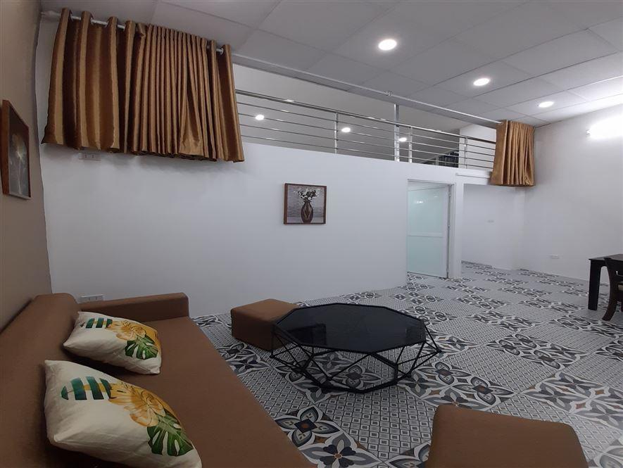 Nhà tập thể tầng 2 cần bán gần trường Chu Văn An.
