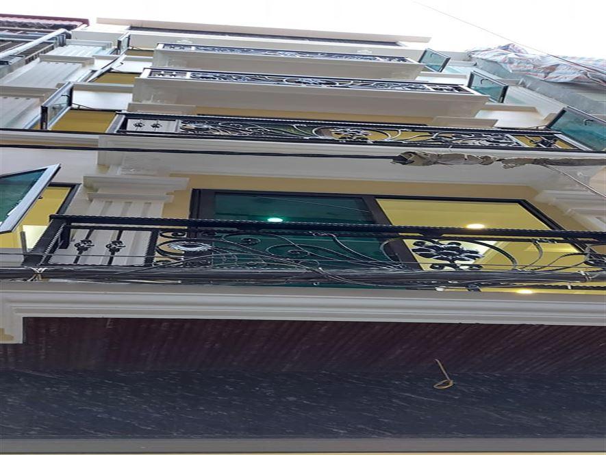 Nguyễn Khang phố VIP P/L gara ô tô, 7 tầng thang máy, DT 80m2, 8.5 tỷ