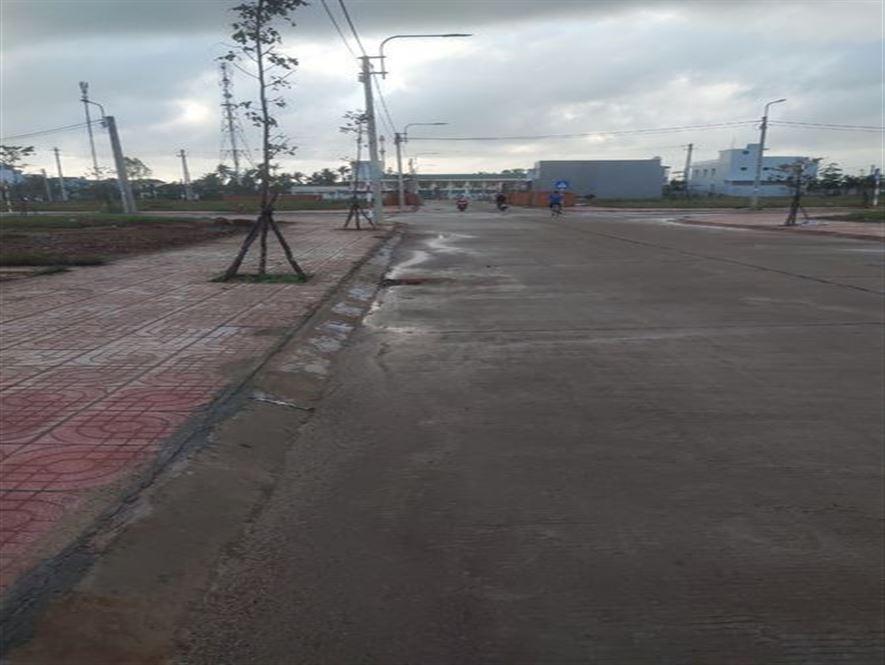 Cần bán gấp lô đất tại KDC vườn xùi, trung tâm thị trấn Sông Vệ Tư Nghĩa