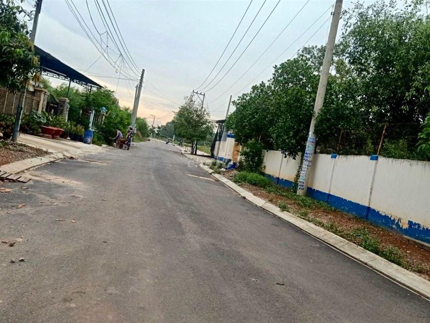 Đất MT DT741 Gần Cây Xăng Chánh Phú Hòa
