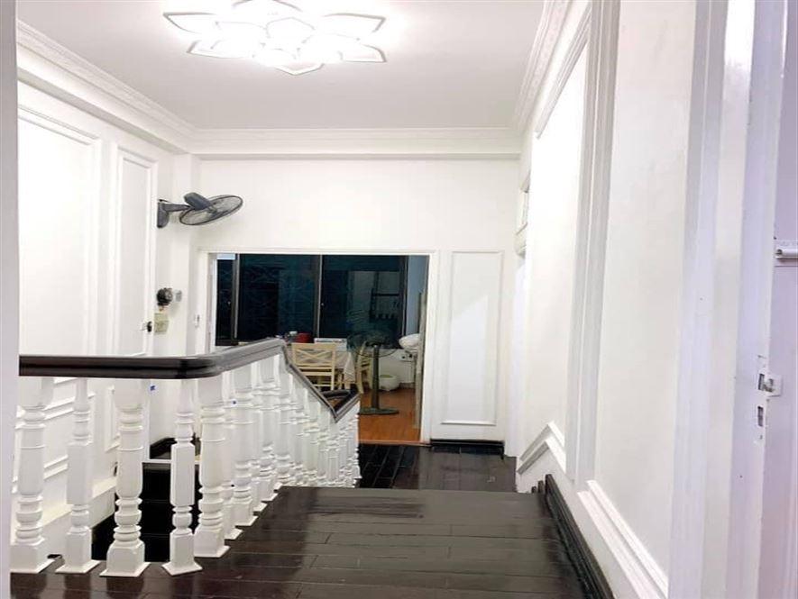 Nhà mới Tân Mai đỗ 2 ô tô trong nhà, nội thất đep, ở ngay, DT87Mx4t,