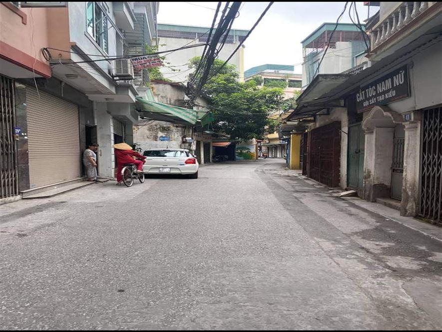 Nhà riêng Nguyễn Ngọc Vũ- Trung Hòa- mặt đường 2 ô tô tránh hiện đang KD