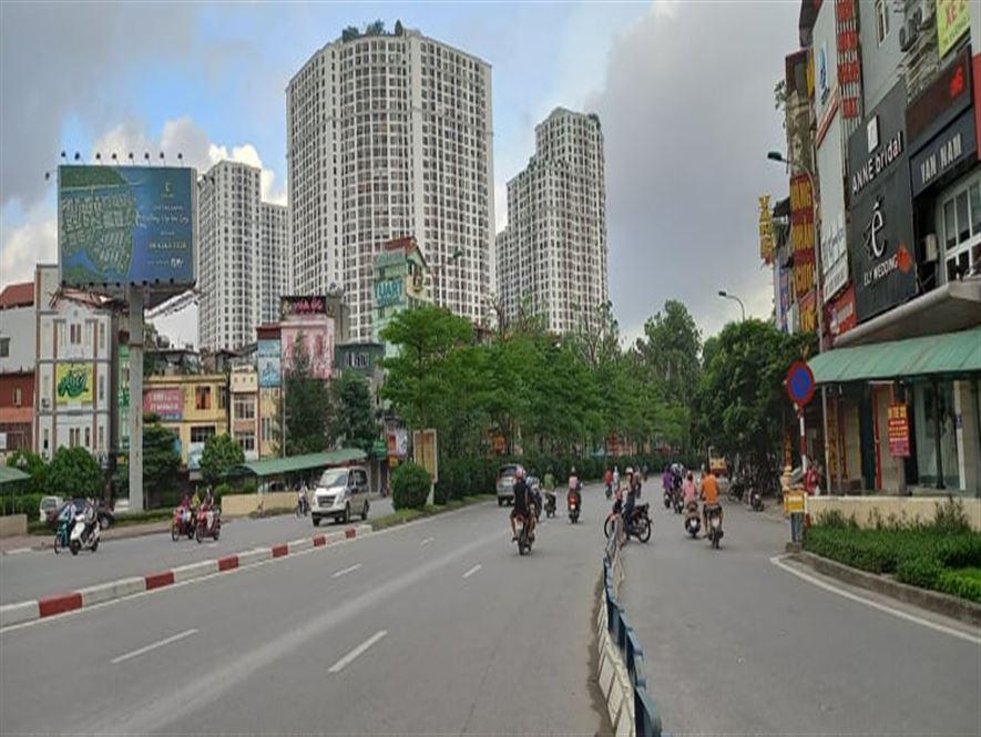 Bán nhà mặt phố Nguyễn Trãi,Thanh Xuân,200m2 x2T,120 tr/tháng,Giá 31 Tỷ.
